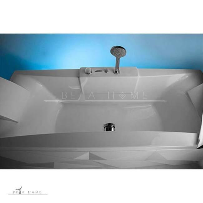 Diamond bath top view